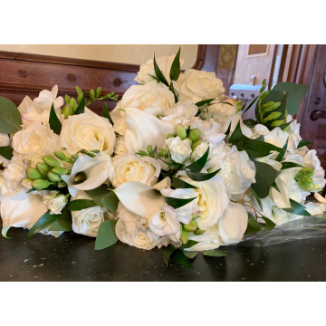 White Bridesmaid's Bouquets
